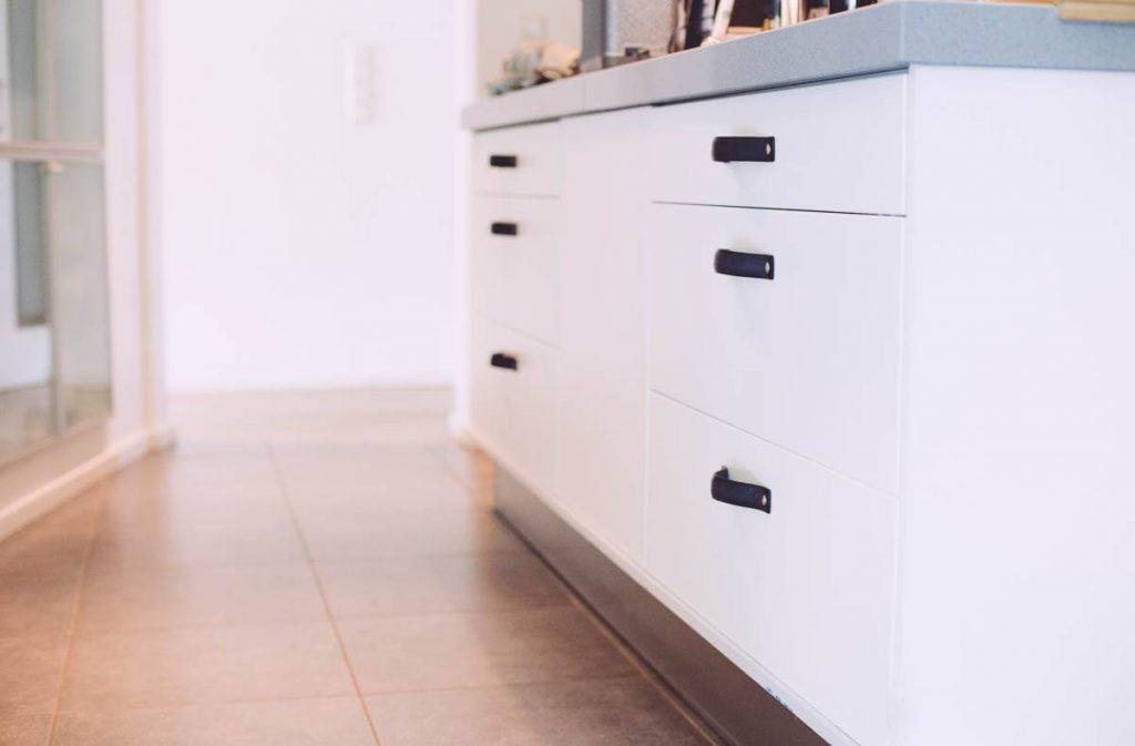 Handgrepen Keuken Zwart : Keukenkastje welke handgreep neem je